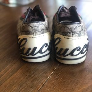 Women's Gucci sneakers